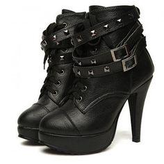 Ankle Boots com fivela