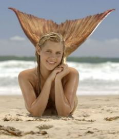 Claire Holt kicked off h2o