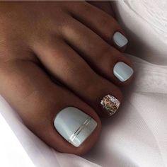 Pretty Toe Nails, Cute Toe Nails, Cute Acrylic Nails, Fancy Nails, Gel Toe Nails, Acrylic Toes, Gel Toes, Pedicure Nail Designs, Pedicure Nail Art