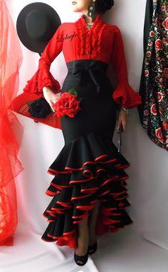 LOLAYLO: TRAJES DE FLAMENCA Y FALDAS DE SEVILLANA Flamenco Party, Flamenco Costume, Flamenco Skirt, Flamenco Dancers, Spanish Dress Flamenco, Flamenco Dresses, Dance Fashion, Fashion Show, Fashion Dresses