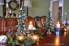 Worthing Court: Christmas centerpiece