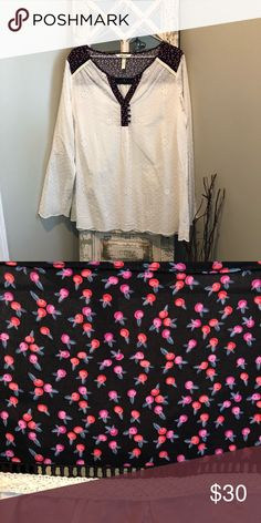 Matilda Jane Snow Globe top Gorgeous top. Perfect for spring! Never worn just tried on Matilda Jane Tops