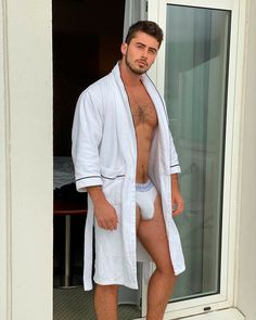Healthy Man, Hard Men, Hommes Sexy, Hairy Chest, Muscular Men, Athletic Men, Good Looking Men, Perfect Man, Comfortable Outfits