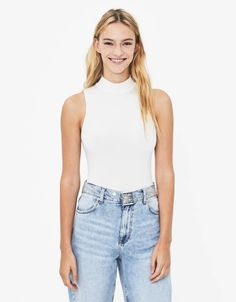 Body com gola alta - T-shirts - Bershka Portugal Look Fashion, Fashion News, High Neck Bodysuit, Outfit Goals, Color Negra, Everyday Outfits, Basic Tank Top, Turtle Neck, T Shirts For Women