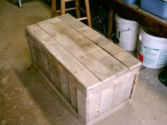 instructable pallet trunk - making this for my family room