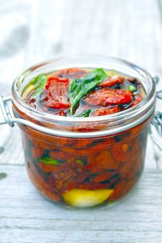 Zelf ovengedroogde tomaatjes maken - Lovemyfood.nl