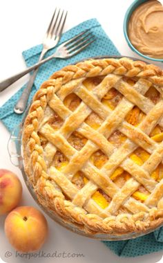 Dulce de Leche Peach Pie with Vanilla Bean Crust. Recipe by Lindsey of Hot Polka Dot.