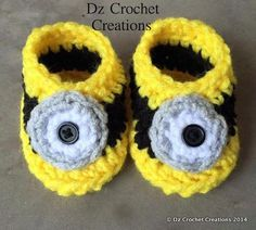 These hand-crocheted Minion Baby Booties 0-3 is perfect for your new little one. Great for babies first photos    Makes the perfect baby shower,