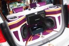 A colorful install rocking some #Marine Full Range speakers, #Punch subwoofers and #Power amplifiers #RockfordFosgate #CarAudio