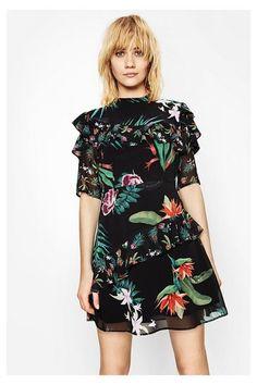 fbd82eab5576bc Vestido Clara Desigual. Descubre la nueva colección primavera-verano 2017 de  moda mujer.