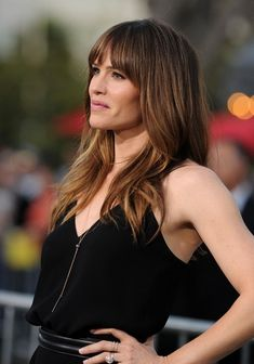 Jennifer Garner Photos - 'Draft Day' premieres at The Regency Village Theatre on April - 'Draft Day' Premieres in LA Jennifer Garner Kids, Jennifer Garner Elektra, Jennifer Garner Style, Julia Roberts Blonde, Wavy Wedding Hair, Vintage Wedding Hair, Glamour, New Hair, Houston