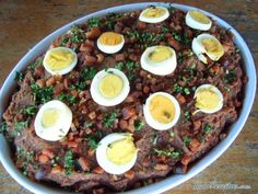 A special-occasion meal in Sri Lanka, made in large quantity and suitable for a weekend family gathering or to break fast for Eid at the end of Ramadan. Rice Recipes, Indian Food Recipes, Asian Recipes, Chicken Recipes, Cooking Recipes, Ethnic Recipes, Sri Lankan Recipes, I Want Food, Biryani Recipe