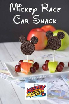 This adorable Mickey Race Car Snack is perfect for creating with your little Mickey Mouse lover! Make it for your Mickey and the Roadster Racers Party!  via @bludlum