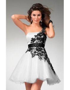 černo-bílé krajkované krátké společenské šaty na jedno rameno Coral - Hollywood Style E-Shop