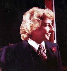 Barry Manilow I was drug to see this concert by a friend of mine 70s Music, Film Music Books, Good Music, Barry Manilow, Back In My Day, 20th Century Fashion, Long Curls, Fashion History, Love Him