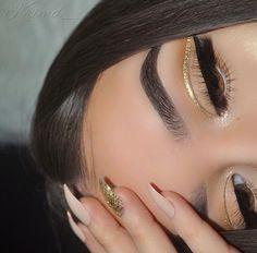 Image de eye makeup, glitter, and chifaa Makeup Eye Looks, Cute Makeup, Glam Makeup, Gorgeous Makeup, Pretty Makeup, Makeup Inspo, Skin Makeup, Eyeshadow Makeup, Beauty Makeup