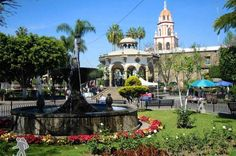 Tlaquepaque Day Tour: Workshops, Culture and Craftsmen Come and get to know one of the most wonderful places where you'll get to see the art of making pottery and other crafts, and also make your own. Visit Tlaquepaque andget to know the downtown of this beautiful town, know its most emblematic buildings. Learn the history of its museum, the traditions of thecity with Mariachi's music, Tequila and the most delicious and traditional dishes. You'll fall in love with this town ...
