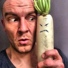 Kolejna impreza warzywna w domu !!! Ostatnio Szpinak sprowokował libację pod rękę z Cebulą a dziś na kwadrat wleciała na biało ubrana Pani Rzodkiew. Sam do końca jeszcze nie wiem o co jej chodzi ale jest nieźle wkur...!!!   #vege #vegan #veggie #veggies #veganism #vegelove #vegepower #vegerunner #pumpkin #govegan #health #healthy #healthyeating #healthychoices #healthylifestyle #polishboy #kochamdom #weight #biegacz #ultratraining #homemade #polskabiega #merapitempeh #vrcrun #runvrc #vrc…