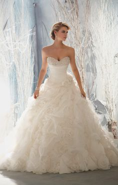 Ball Gown Organza Sweetheart Natural Waist Semi-Cathedral Train Lace-up Sleeveless Beading Flowers Ruching Ruffles Wedding Dress - gopromdres.com