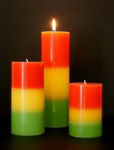 Candles>>>> kinda looks like Bob Marley Rasta Wedding, Rasta Party, Diwali Fireworks, Jamaican Party, Crystal Bedroom, Decoupage, Candle Arrangements, My New Room, Bob Marley