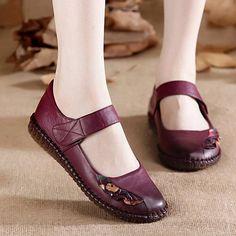 Casual Office Shoes, Unique Shoes, Cute Sandals, Types Of Shoes, Women's Pumps, Loafer Flats, Fashion Shoes, Shoe Boots, Girls Shoes