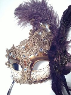 New Venetian Masquerade Mardi Gras Party Mask with Feathers Romance #halloween #mask www.loveitsomuch.com