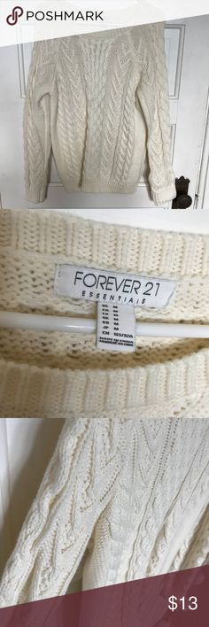 Ultra cozy chunky cableknit sweater! Forever21 Beautiful ivory cableknit sweater  Forever 21 Perfect to layer or wear alone No signs of wear or tear Size medium but can fit small as well Forever 21 Sweaters
