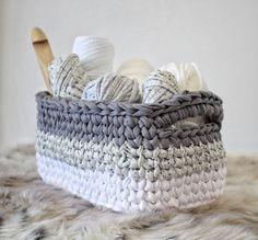 Ombre Rectangle Basket - Free Crochet Pattern