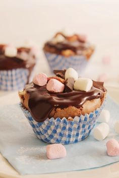 Rocky Road, No Bake Cake, Food Inspiration, Food And Drink, Cupcakes, Sweets, Baking, Breakfast, Desserts