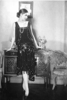 vestido de lentejuelas negro de Chanel, fotografía de Edward Steichen , Vogue 1926