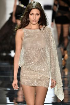 Another day, another nipple-baring outfit for Bella Hadid. For her third Paris Fashion Week gig, the model opened the Alexandre Vauthier Spring Summer show, wearing a completely sheer mini dress that was dripping in Swarovski crystals. Classy Outfits, Trendy Outfits, Fashion Outfits, Bella Hadid Style, Img Models, Metallic Dress, Sexy Dresses, Fashion Beauty, Celebrity Style