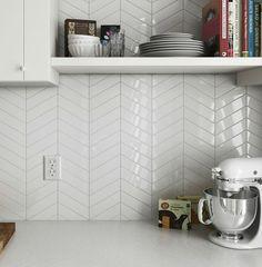 11 types of white kitchen splashback tiles: Best white tiles for your kitchen Kitchen Splashback Tiles, Modern Kitchen Backsplash, Floors Kitchen, Chevron Tile, Chevron Kitchen, Chevron Bathroom, Kitchen Colors, Herringbone Backsplash, Backsplash Tile