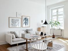 monochrome Swedish home with lovely light A white sitting room in a Swedish home in monochrome with lovely light / Kvarteret MäkleriA white sitting room in a Swedish home in monochrome with lovely light / Kvarteret Mäkleri Cozy Living Rooms, Home Living Room, Living Room Decor, Living Spaces, Scandinavian Apartment, Scandinavian Home, Living Room Inspiration, Interior Inspiration, Home Interior