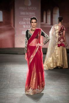 Fashion: Anju Modi Show at India Couture Week 2014