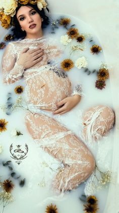 Milkbath, milk bath, maternity, maternity photoshoot, maternity photography, lace dress, flowers, Steele Photography, Steele Photography Alaska, Alaska photography, Steele Photography