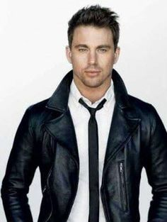 This Saturday go for a semi formal look with a white shirt and a tie paired with a black leather jacket, just like Channing Tatum.