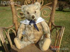 vintage steiff teddy....adorable  Photo via web