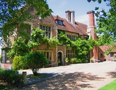A truely beautiful wedding venue, Broyle Place in the heart of the Sussex countryside in UK.