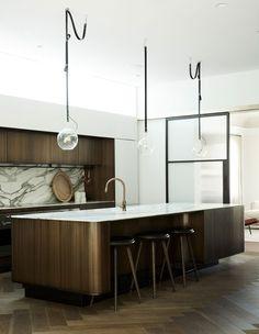 Simple Kitchen: 60 Beautiful and Cheap Decoration Tips! - Home Fashion Trend One Wall Kitchen, Kitchen Shelves, New Kitchen, Kitchen Cabinets, Kitchen Units, Island Kitchen, White Cabinets, Kitchen Backsplash, Kitchen Appliances