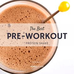 I often get a lot of questions about what people should eat before they workout. There's a lot to say on this, and I can explain it all by breaking down one of my most delicious concoctions: my ultimate pre-workout shake.First, a little disclaimer: This Pre Workout Protein Shake, Healthy Pre Workout, Good Pre Workout, Post Workout Smoothie, Post Workout Food, Workout Ideas, Natural Pre Workout Drink, Breakfast Before Workout, Yuri