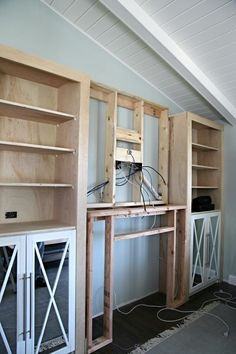 Latest Photo Fireplace Mantels with built ins Tips DIY Kamin eingebautes Tutorial – IHeart Organizing: DIY Kamin eingebautes Tutorial – Fireplace Built Ins, Home Fireplace, Fireplace Remodel, Fireplace Surrounds, Fireplace Design, Fireplace Mantels, Fireplace Ideas, Simple Fireplace, Farmhouse Fireplace