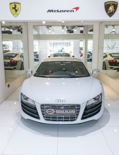 #Audi R8 V10 2013 25,000 kms | Gulf Specs price : 240,000 aed