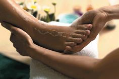 ## COMMENT AVOIR LES PIEDS PLUS DOUX??  Après une longue journée, l'idéal est de faire un bain pour les apaiser. Les problèmes récurrents sont souvent les pieds gonflés, peaux sèches ou irritées......### http://afromarket.fr/?p=157