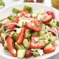 Fresh and easy summer salad with ripe strawberries, cucumbers, mint, red onions, and feta cheese tossed with a zesty homemade honey lemon salad dressing. Cucmber Salad, Feta Salad, Lemon Salad Dressings, Easy Summer Salads, Cooking Recipes, Healthy Recipes, Honey Lemon, Soup And Salad, Fall Recipes