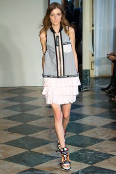 Fay Spring 2015 Ready-to-Wear Fashion Show Spring Summer 2015 374dfac311