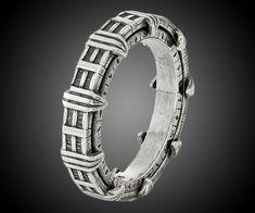 Stargate Sterling Spinner Ring | DudeIWantThat.com