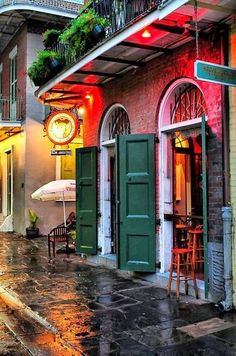 Pirates Alley, New Orleans, Louisiana  Ahhh…