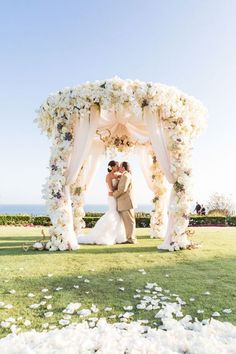 Outdoor Wedding Ceremonies Wedding Ceremony Ideas That Will Take Your Breath Away Wedding Ceremony Ideas, Outdoor Wedding Altars, Beach Ceremony, Ceremony Arch, Wedding Themes, Wedding Events, Wedding Decorations, Decor Wedding, Wedding Beach