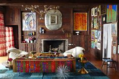 Kelly Framel, from The Glamourai, recently paid a visit to Nanette Lepore's Amagansett home and man, is it fabulously groovy! The unrestrained inclusion of color, art (mostly painted by family members) and kitsch add to… Style At Home, Bohemian Interior, Bohemian Decor, Living Room Designs, Living Spaces, Living Rooms, Interior And Exterior, Interior Design, Interior Photo