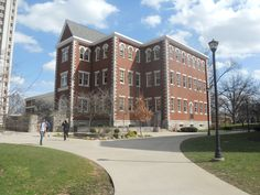 Miller Hall-home of the Office of Undergraduate Studies